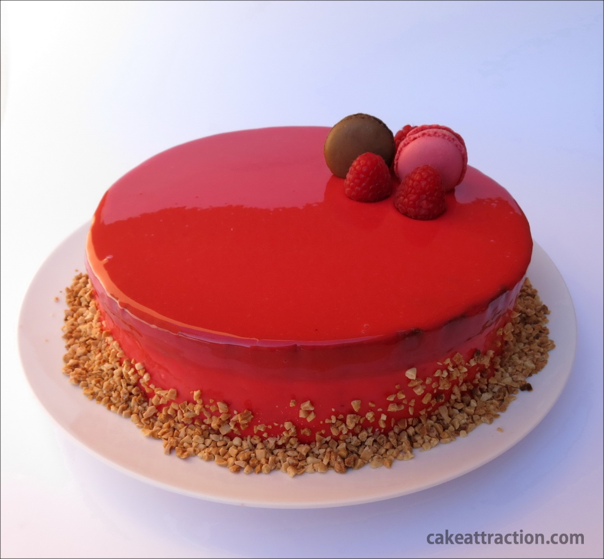 Mousse de chocolate y frambuesa con glaseado espejo rojo for Decoracion espejo en tortas